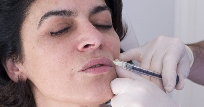 Injections remodelage lèvres